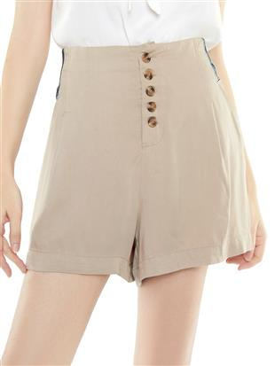 SHORT WITH BUTTONS