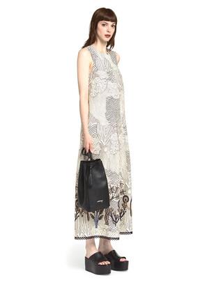 Dress with contrasting hem